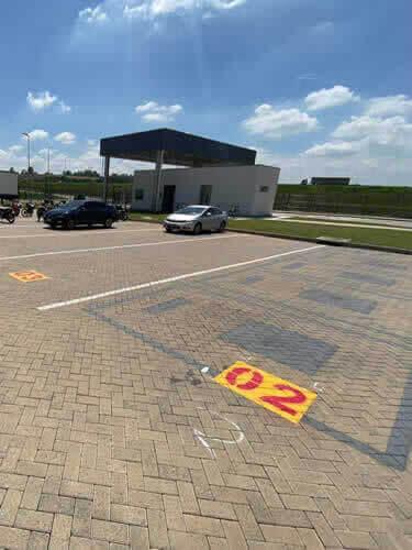 Estacionamentos com Sinalizadores