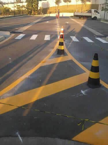 Cones e Tachões Para Vielas e Ruas