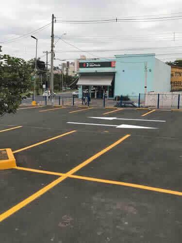 Tachões Tachinhas para Estacionamentos de Mercado